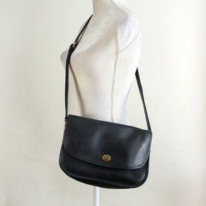 Vintage Coach Saddle Messenger Flap Crossbody Bag